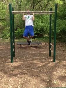 parallel bar pull ups